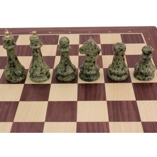 Шахматы из ореха (фигуры змеевик + бронза)
