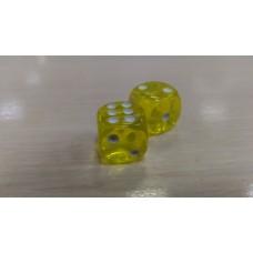 Кубики-зарики из янтаря 12*12мм лимонный